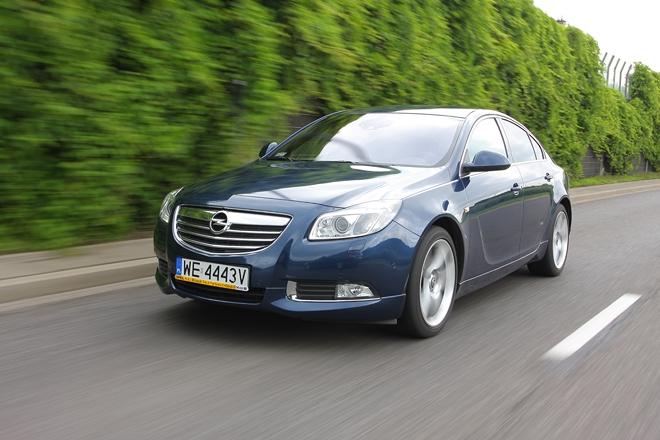 Opel Insignia Sport 4x4 ma pod maską 220-konny dwulitrowy silnik turbodoładowany.
